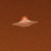 UFOCloseSOLENT 450x3001 200x200 UFOs on Camera   Gallery 2
