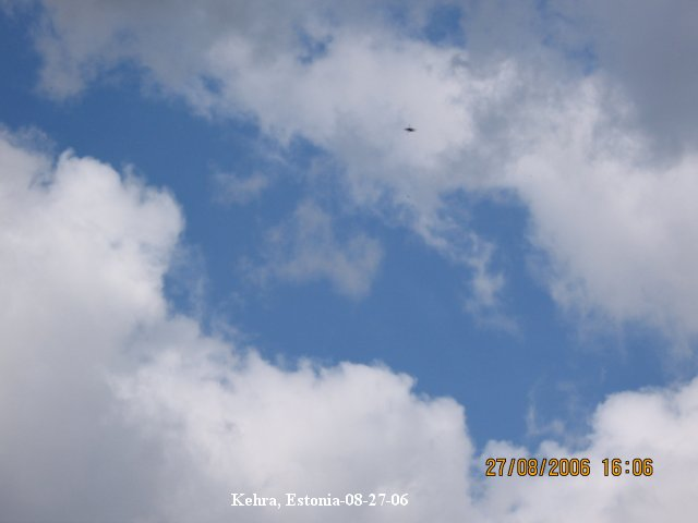 UFO object in sky saucer shaped silver antigravity high altitude - Kehra, Estonia - 08/27/2006