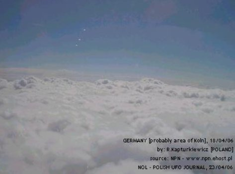 3 UFO Lightbody Merkabah High Frequency Energy Spacecraft Alien Beings spotted from Airplane - Germany, 04/18/2004