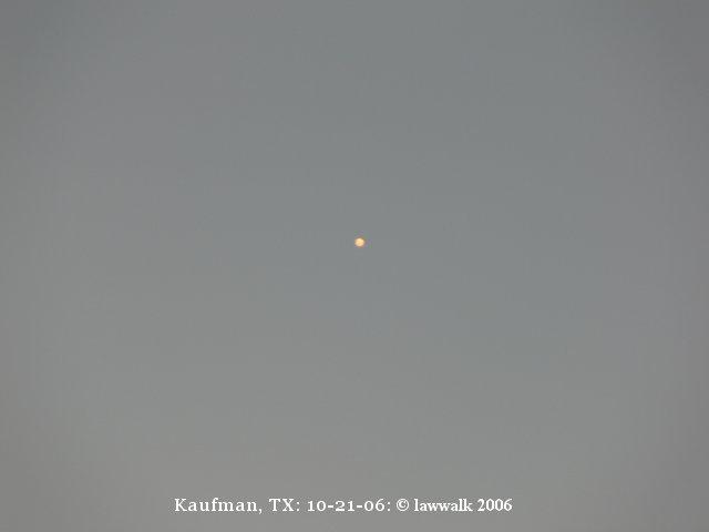 Glowing Orange Ball of Light - Fire in the Sky UFO - Kaufman, TX - 10/21/2006