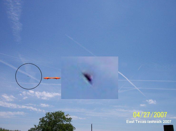 Silver Saucer Shaped UFO Orb - East Texas, 04/27/2007 (2)
