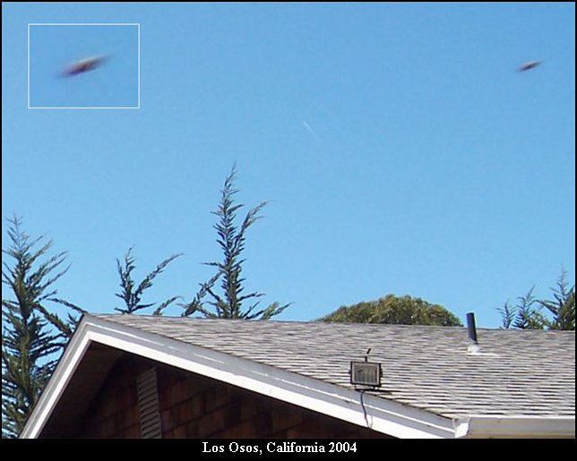 Silver Saucer Shaped UFO above Los Osos, California, 2004