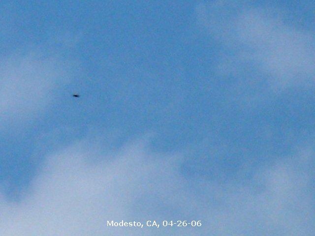 Silver UFO - Modesto, California - 04/26/2006