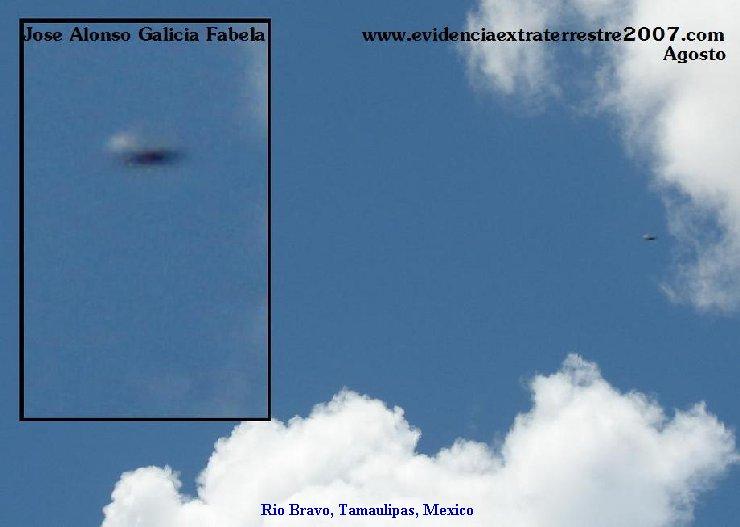 Silver Flying Saucer Spaceship UFO - Rio Bravo, Tamaulipas, Mexico