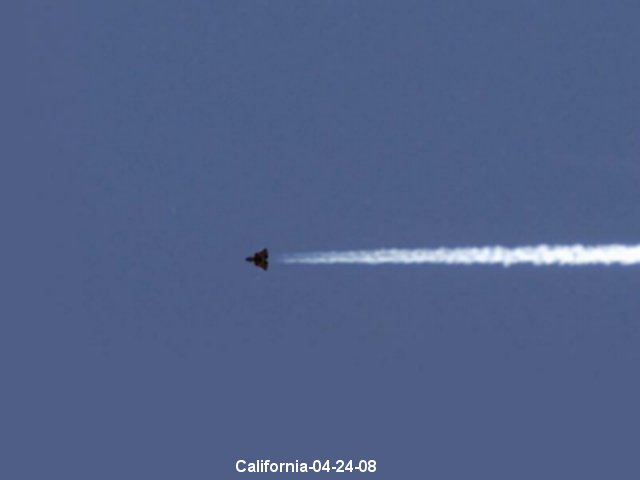 Triangle UFO - Top Secret Black Projects - California 04/24/2008
