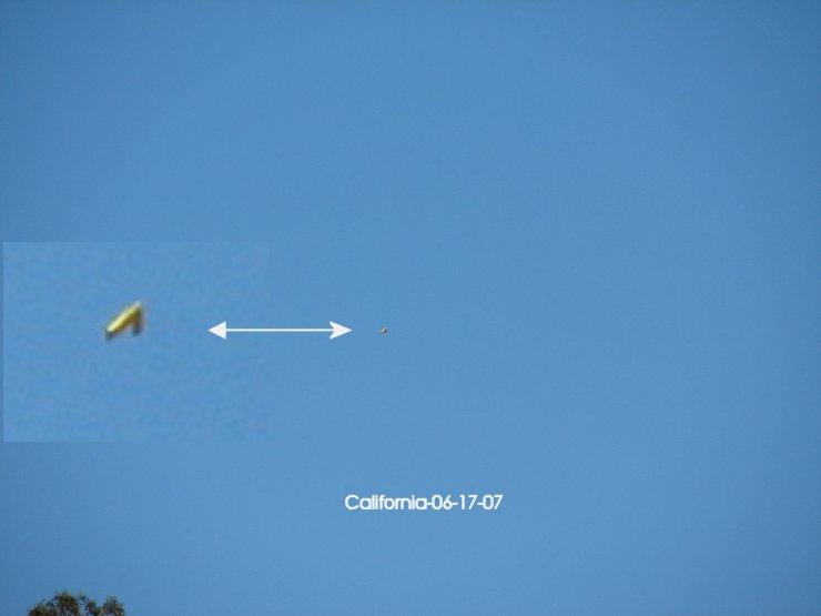 UFO Triangle V shape - Southern California 06/17/2007