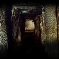 gavrinis passage grave France1 200x200 Ancient Spirals