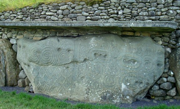 newgrange kerb stone