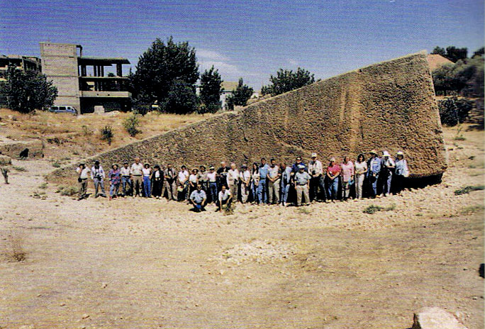 http://www.ufo-contact.com/wp-content/uploads/2011/08/Baalbek-Trilithon-Ancient-Technology.jpeg