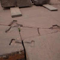 Groves in stone to hold them together simimlar findings in ancient greece 200x200 Pumapunku