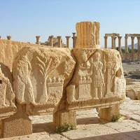 Reliefs outside the temple 200x200 Baalbek