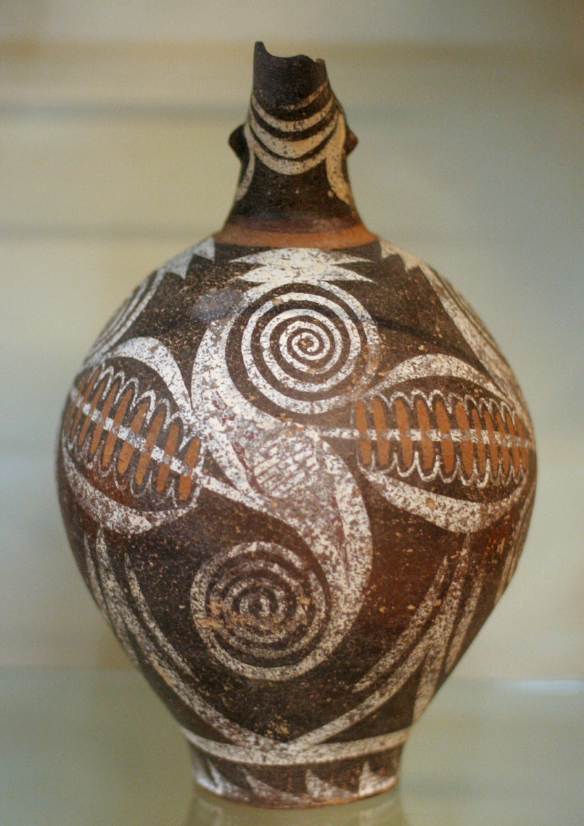Jug from Faistos with large double spiral, Kamares style